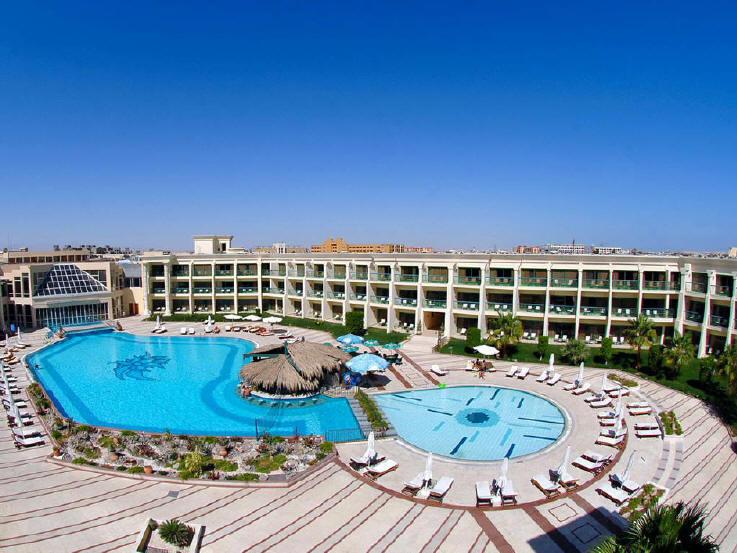 Отель Hilton Resort 4*+