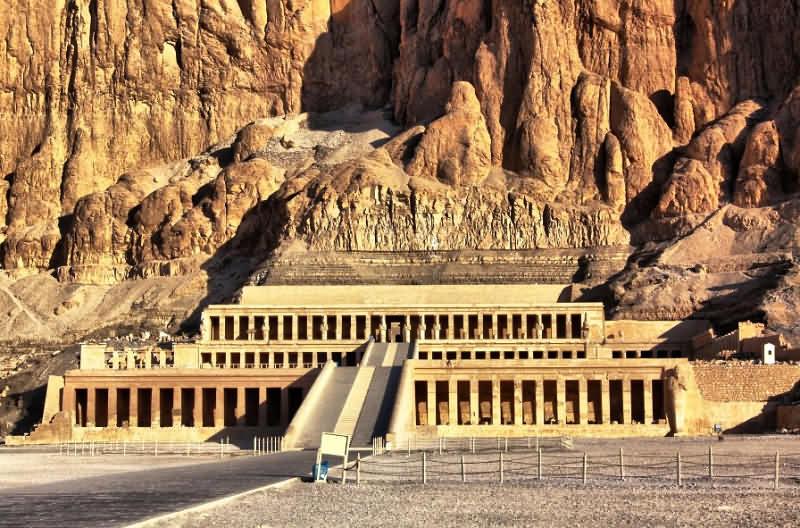 Картинки по запросу усыпальница мумия египет