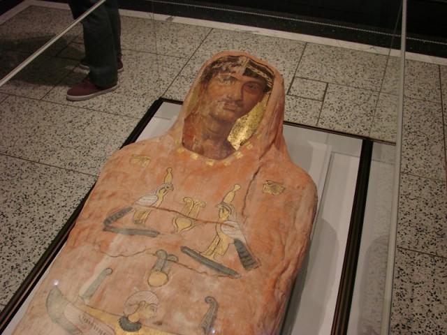 Египетские пирамиды первое чудо света Мумия из египетской пирамиды Египетские пирамиды первое чудо света