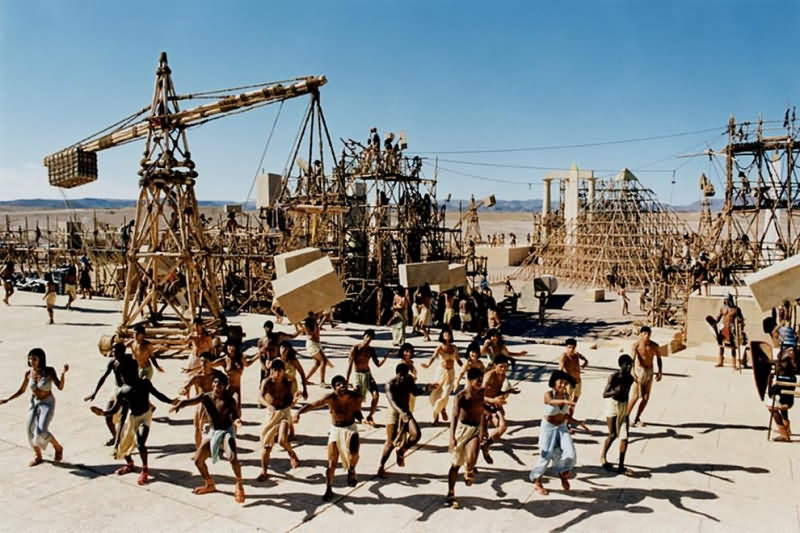 построить пирамиду Хеопса