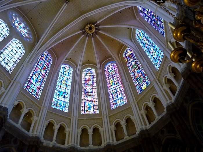 должна готический стиль армянских церквей Деда Мороза Снегурочку