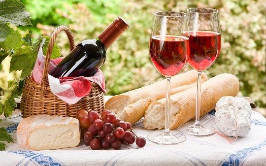 Французы в этом году произведут меньше вина из-за погодных аномалий