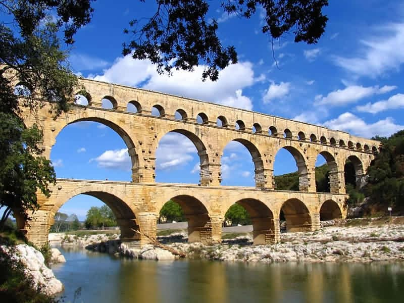 an introduction to the history of aqueducts in rome