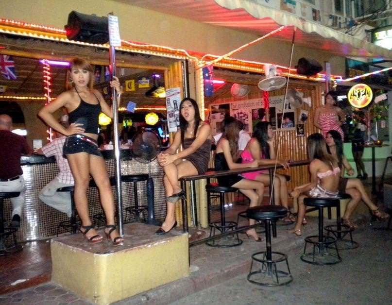 Где и как снять проститутку в паттайе проститутки хтз харьков